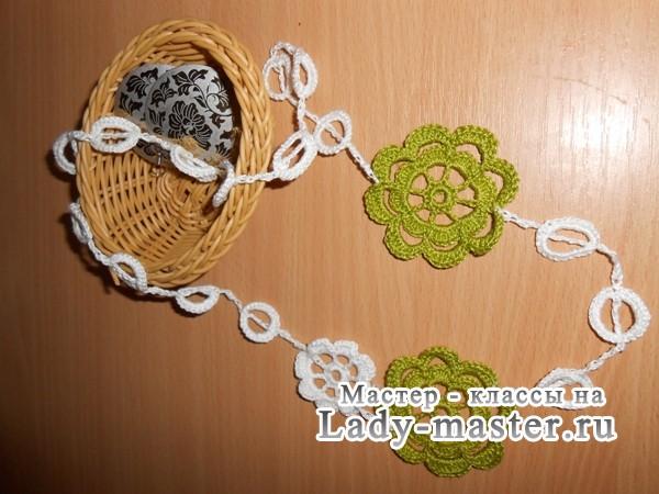 Как связать ожерелье крючком из простых мотивов