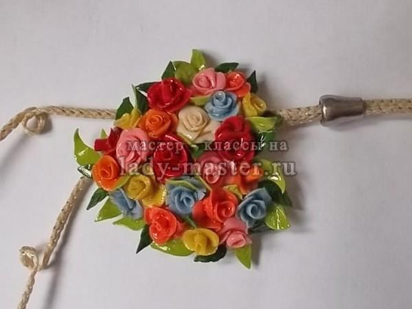 подвеска в виде сердца с розами готова, фото