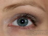 Повседневный макияж в серо-коричневой гамме для серых глаз