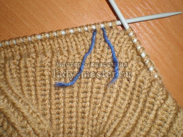 Вязание манишки для ребенка спицами, фото