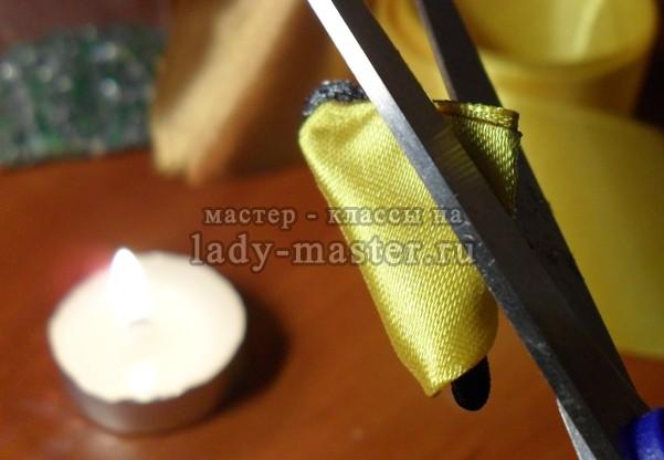 Резинка для волос в технике канзаши своими руками, фото