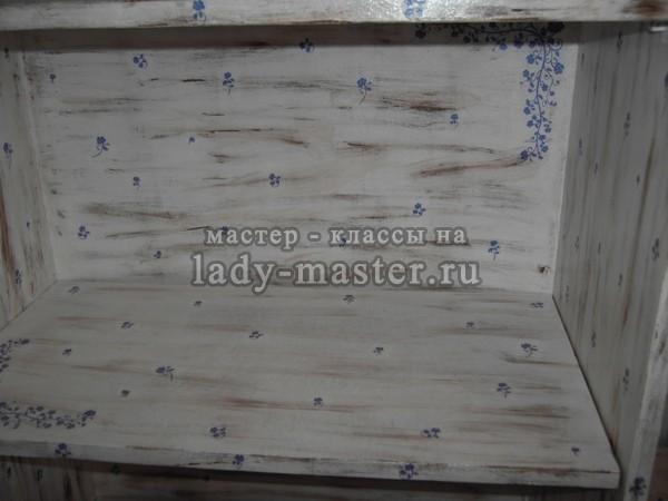 Декупаж старого шкафа в нежной голубой гамме, фото
