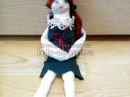 Простая куколка из лоскутков