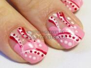 Мастер-класс по маникюру на коротких ногтях «Розовая абстракция»