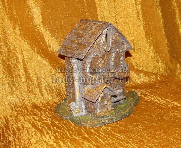 Копилка домик из папье маше, фото