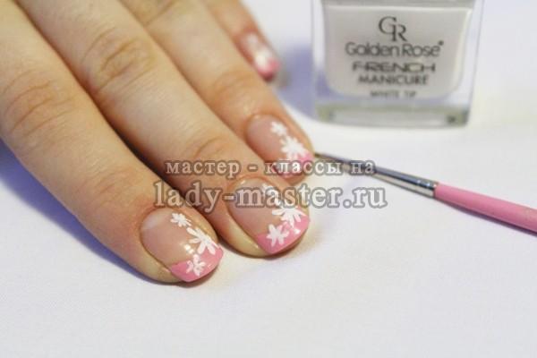 рисуем ромашки на всех ногтях