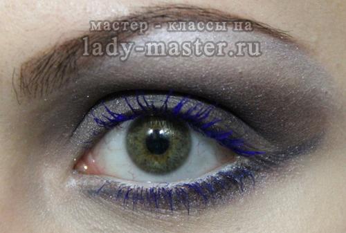 Вечерний макияж с синей тушью для серых глаз, фото