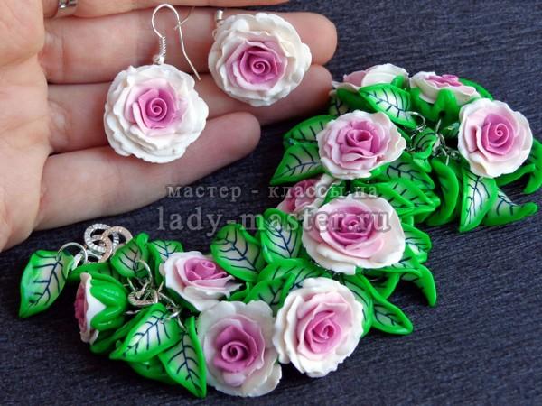 Серьги, браслет и кольцо с розами из полимерной глины, фото