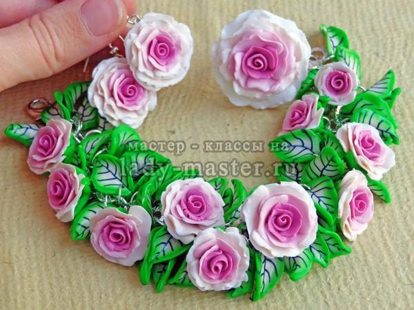 Комплект с розами из пластики, фото