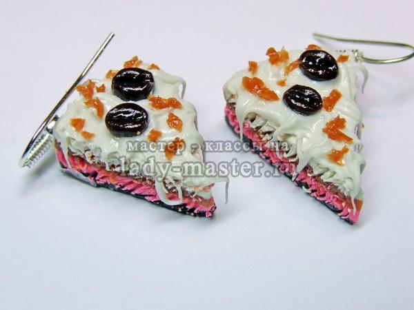 Серьги в виде кусочков тортов из полимерной глины, фото