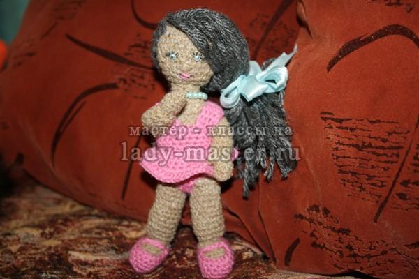 Вязаная куколка крючком, фото