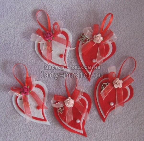 Валентинки из фетра в виде сердечек своими руками, мастер класс и пошаговое описание