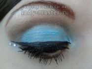 Голубой вечерний макияж на 8 марта для карих глаз