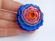 Кольцо в виде объемного цветка из полимерной глины