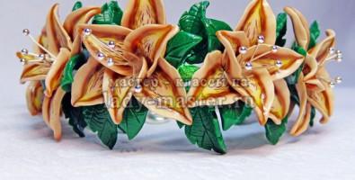 Лилия из полимерной глины. Браслет из пластики на проволочном каркасе