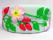 Цельный браслет из полимерной глины с цветами и ягодами шиповника