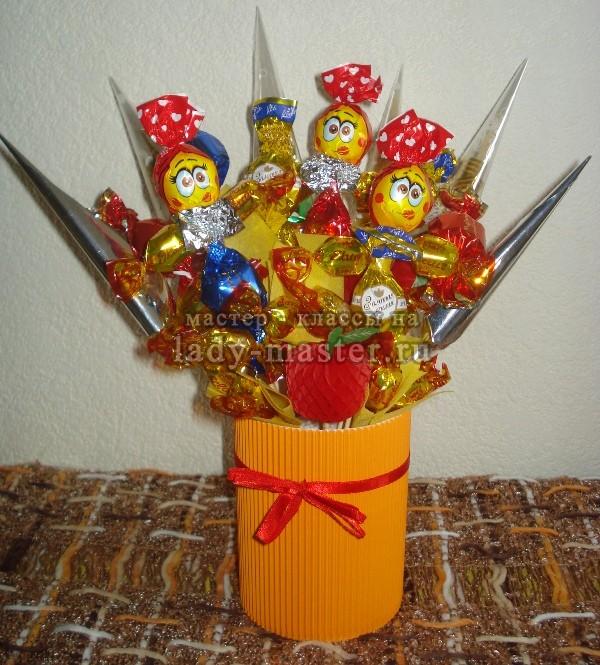 Букеты из конфет детские своими руками