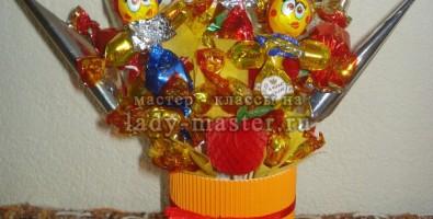 Веселый букет из конфет своими руками