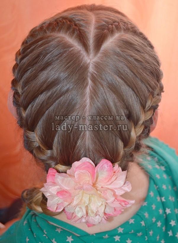 Плетение кос в виде сердца, фото