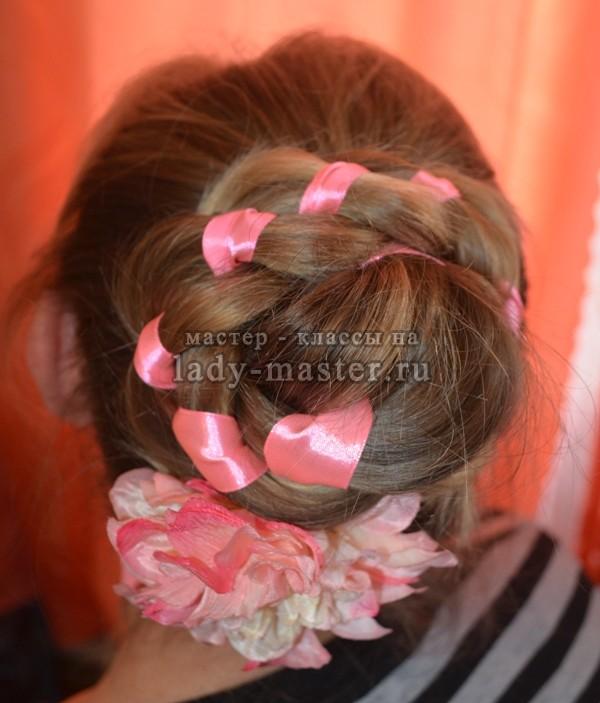 необычная коса с лентой, фото