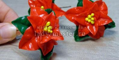Пуансетия (рождественская звезда) из полимерной глины.