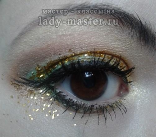 Новогодний макияж с блестками, фото