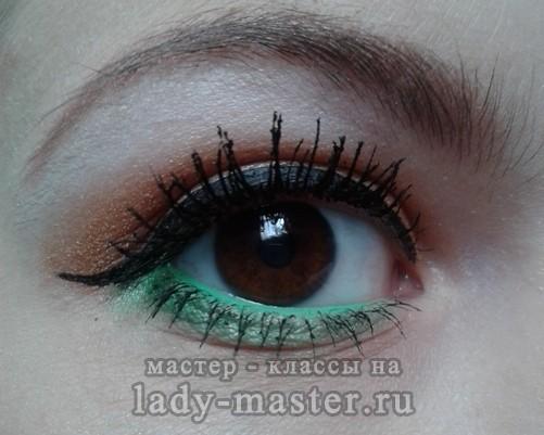 макияж глаз зелеными тенями, фото