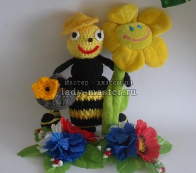 Как связать пчелку крючком на Медовый Спас
