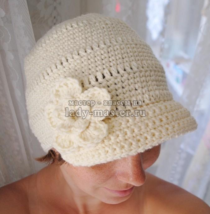шапка с козырьком вязаная женская, фото