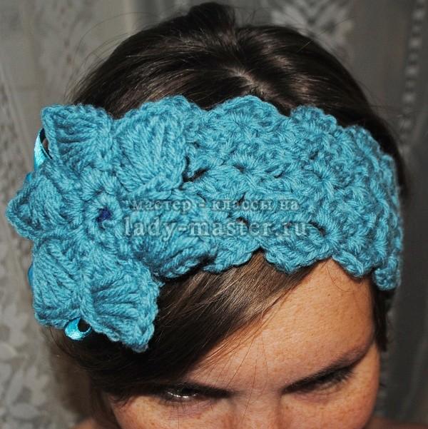 Вязание крючком - это отличный способ делать рукодельные повязки для головы. . Они приятные на вид, им легко придать