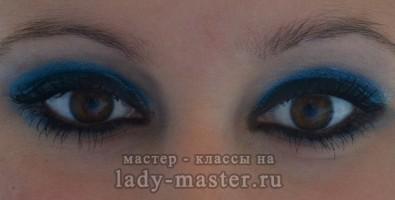Вечерний макияж «Морской бриз» для карих глаз