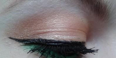 Необычный повседневный макияж