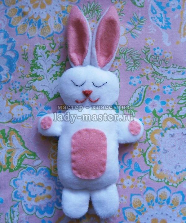 Игрушка зайчонок своими руками, фото