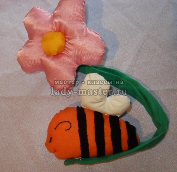 Держатель для шторы «Пчелка на цветке»