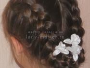 Простая прическа с косами на 1 сентября