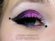 Яркий макияж на Хэллоуин в черно-розовых тонах