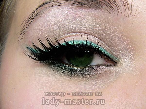 макияж для темно зеленых глаз, фото