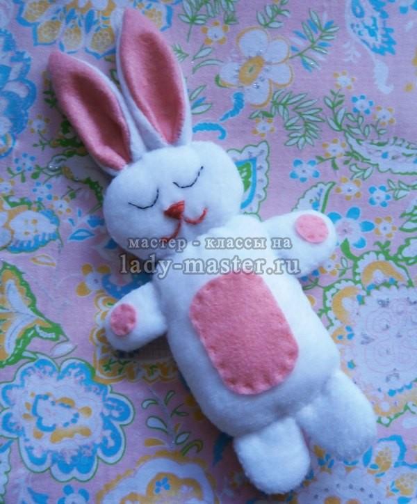 Зайчонок – игрушка для сна