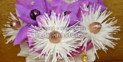 Сладкий сюрприз из орхидеи и хризантем