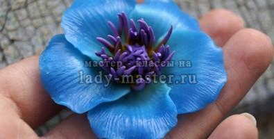 Брошь из полимерной глины «Небесный цветок»