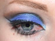 Фиолетово-синий макияж для новогодней ночи
