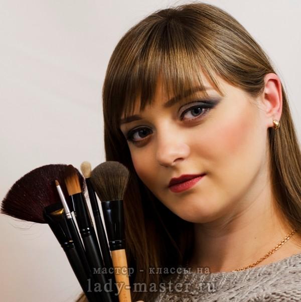 макияж для больших глаз серых, фото