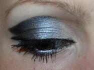 «Кошачьи глазки» женщины — вамп