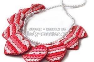 Колье «Кружевные сердечки» своими руками