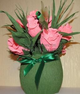 Букет роз из бумаги и конфет – это отличный подарок к 8 марта!