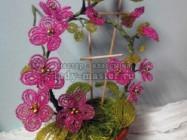Мастер-класс: плетём из бисера вьющийся цветок