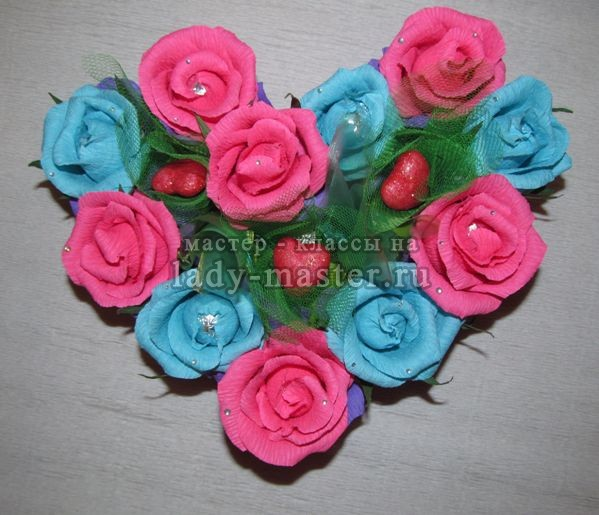 сердце из конфет своими руками, фото
