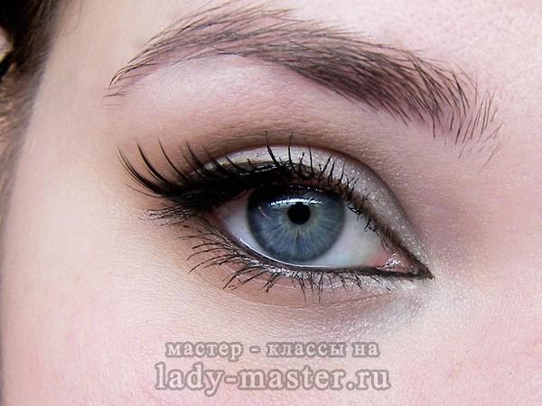 Простой макияж, который сделает глаза выразительней
