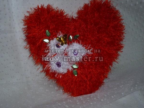 подушка в форме сердца, фото