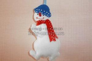 Елочная игрушка «Веселый снеговик»